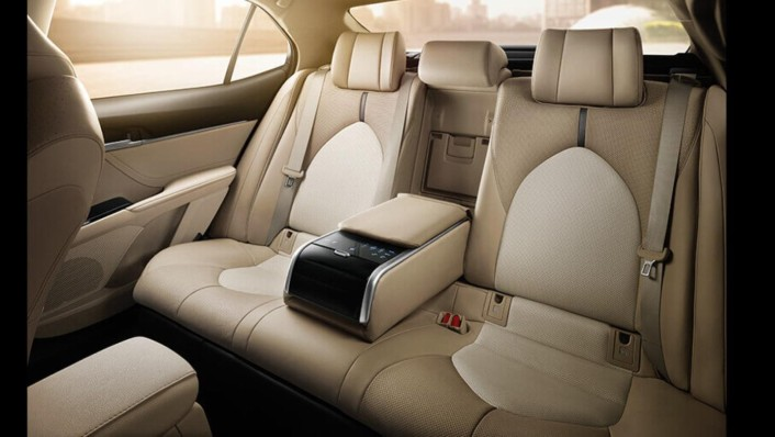Toyota Camry 2020 Interior 006