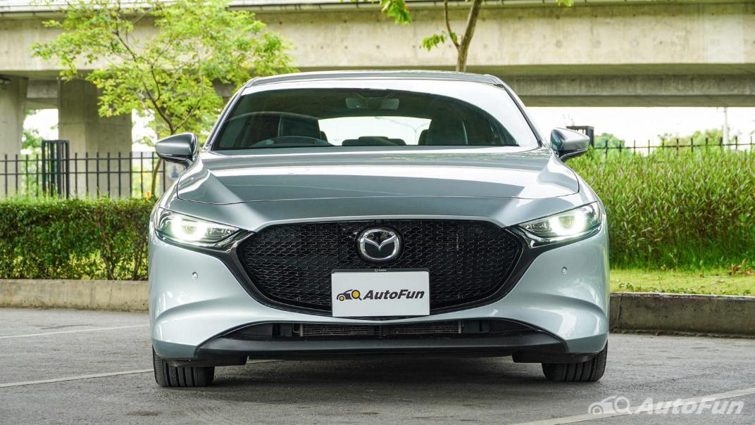 2020 Mazda 3 Fastback 2.0 SP Sports Exterior 002