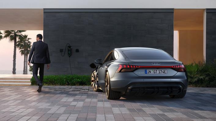 2021 Audi e-tron GT quattro Exterior 008