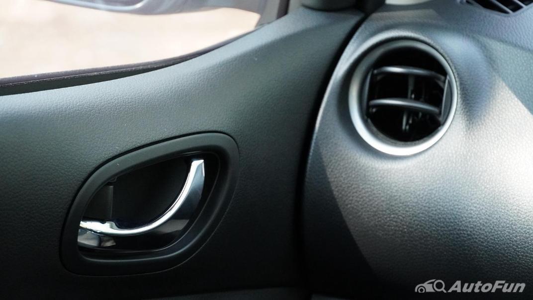 2021 Nissan Navara Double Cab 2.3 4WD VL 7AT Interior 021