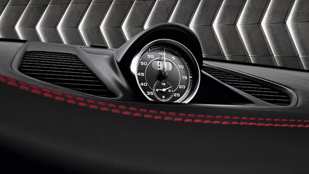 Porsche 911 Public 2020 Interior 005