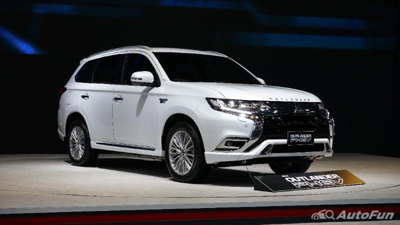 ชมคันจริง 2021 Mitsubishi Outlander PHEV ขายราคา 1.64 - 1.749 ล้านบาท เผยสเปคเด่นไว้เกทับ MG HS 02