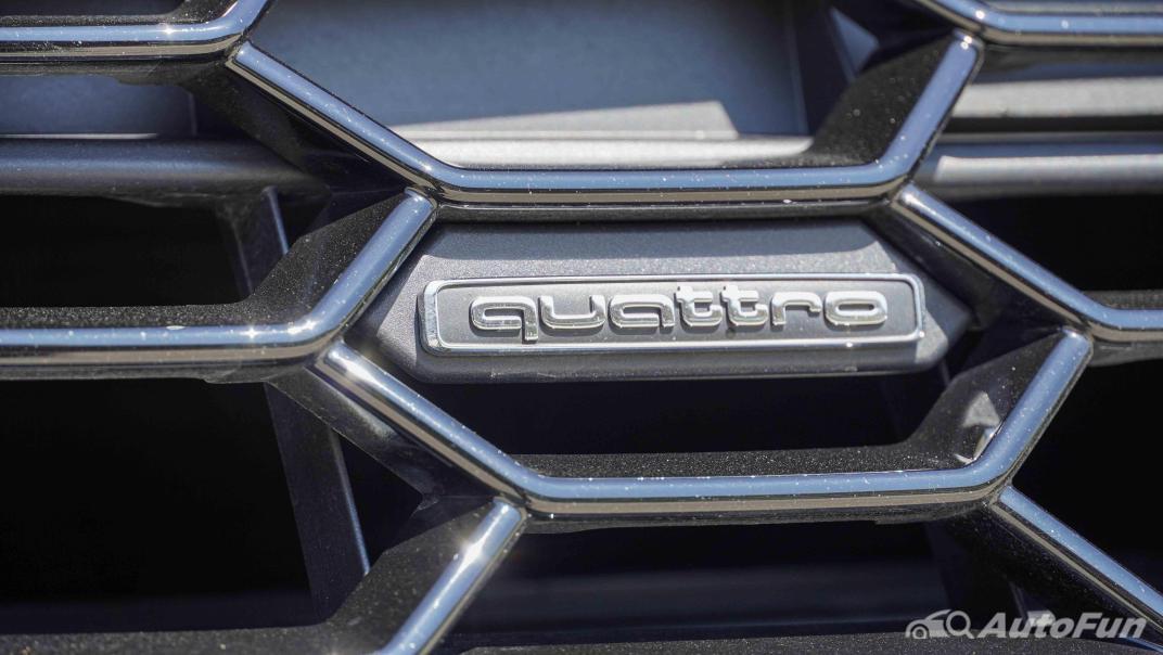 2020 Audi A4 Avant 2.0 45 TFSI Quattro S Line Black Edition Exterior 037