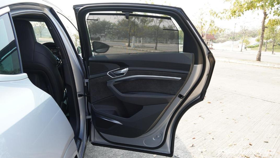 2020 Audi E Tron Sportback 55 quattro S line Interior 064