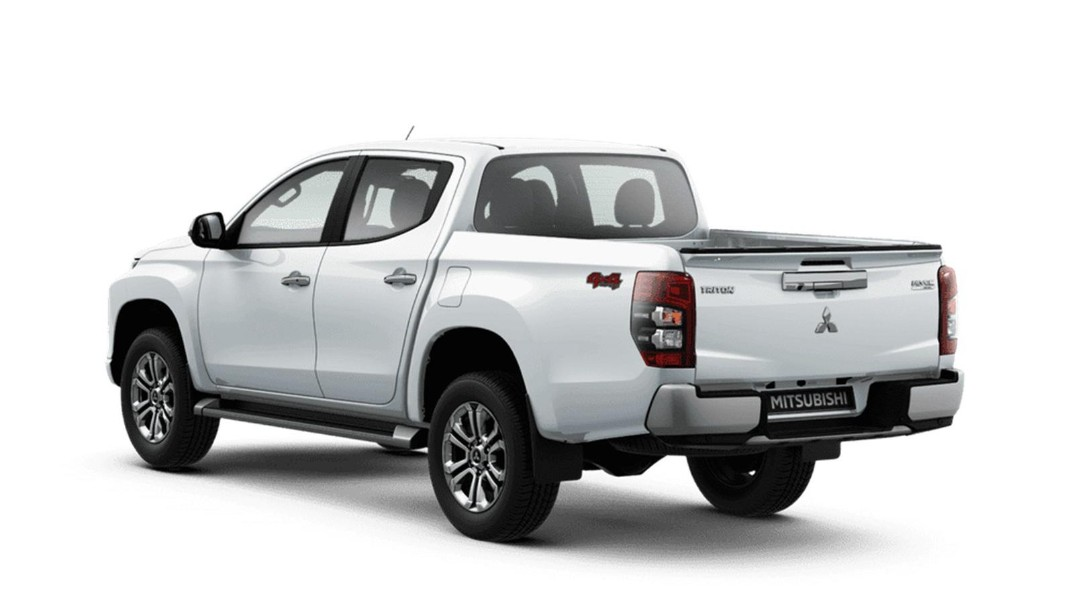 Mitsubishi Triton Public 2020 Others 001