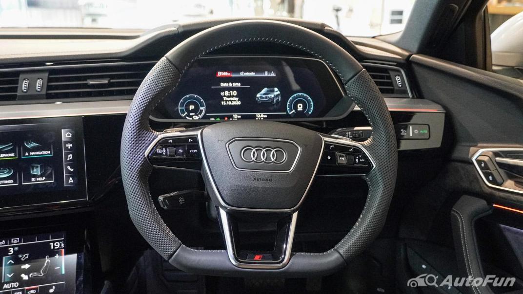 2020 Audi E Tron Sportback 55 quattro S line Interior 092