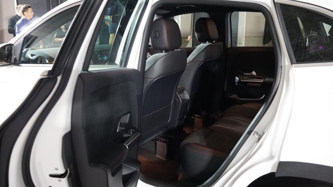 2021 Mercedes-Benz GLA-Class 200 AMG Dynamic Interior 025