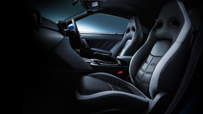 Nissan GT-R 2020 Interior 003