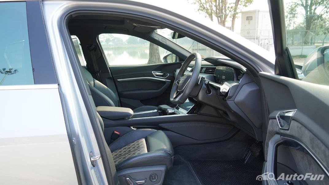 2020 Audi E Tron Sportback 55 quattro S line Interior 044