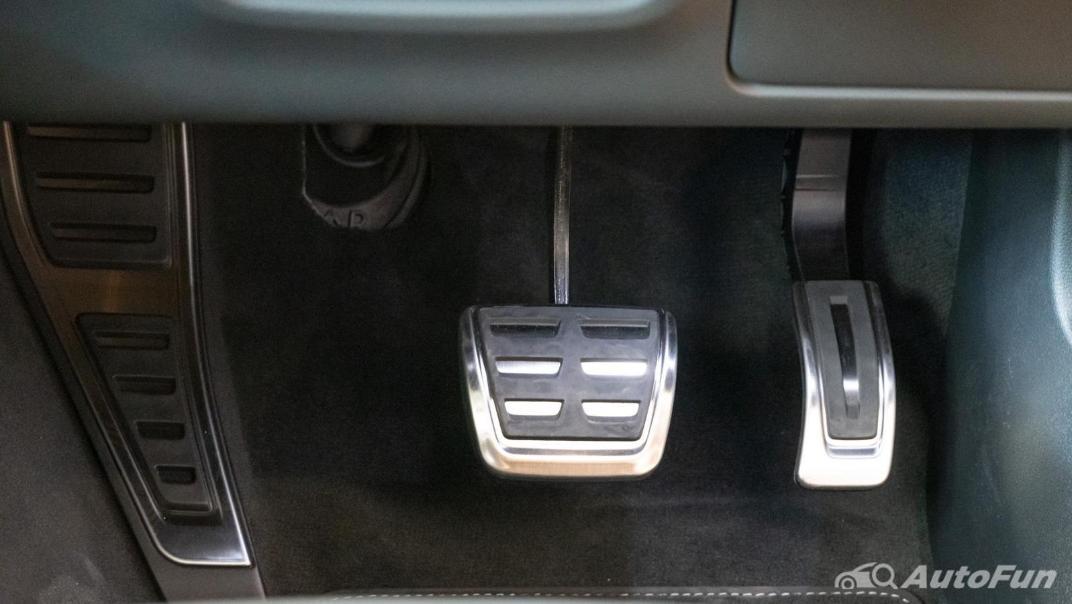 2020 Audi A4 Avant 2.0 45 TFSI Quattro S Line Black Edition Interior 088