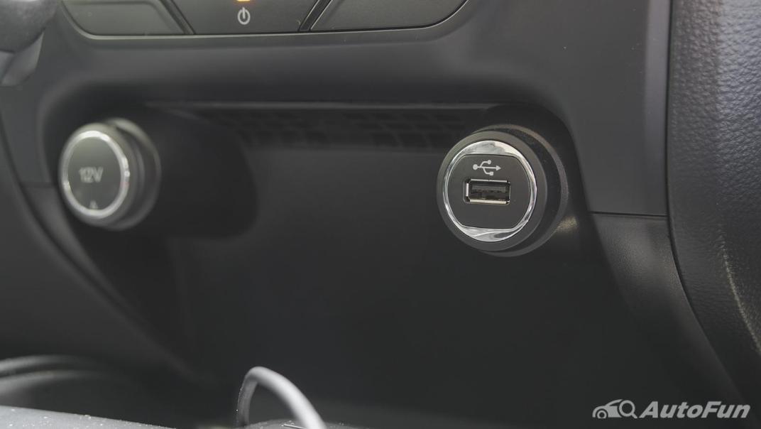 2021 Ford Everest 2.0L Turbo Titanium 4x2 10AT - SPORT Interior 024