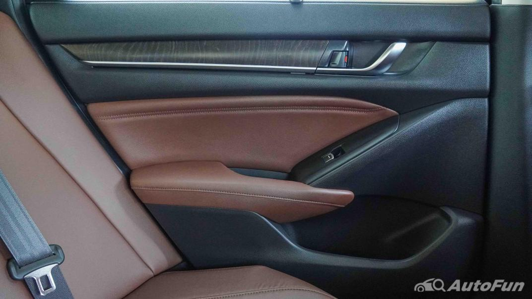 2020 Honda Accord Hybrid Tech Interior 047