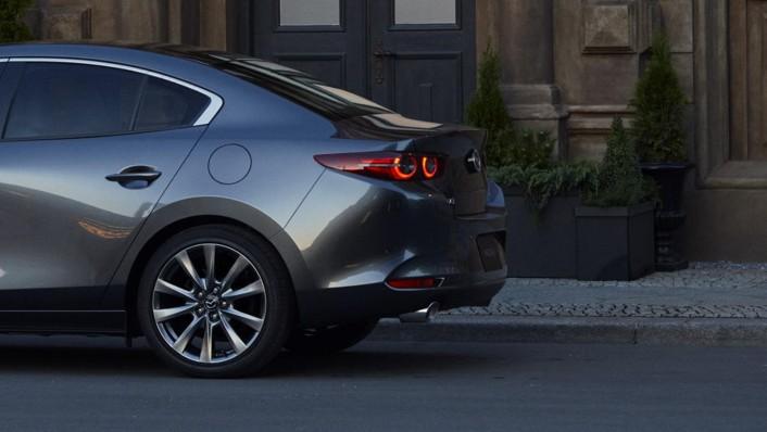 Mazda 3 Sedan 2020 Exterior 002