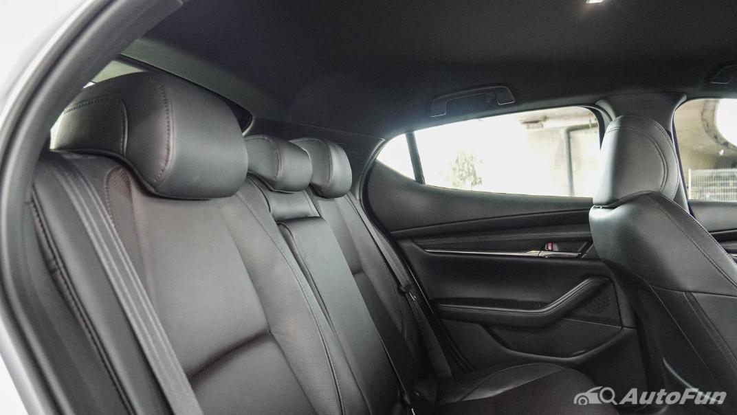 2020 Mazda 3 Fastback 2.0 SP Sports Interior 040