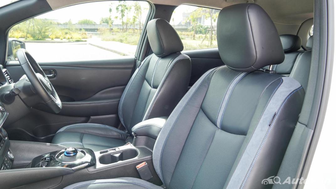 2020 Nissan Leaf Electric Interior 048