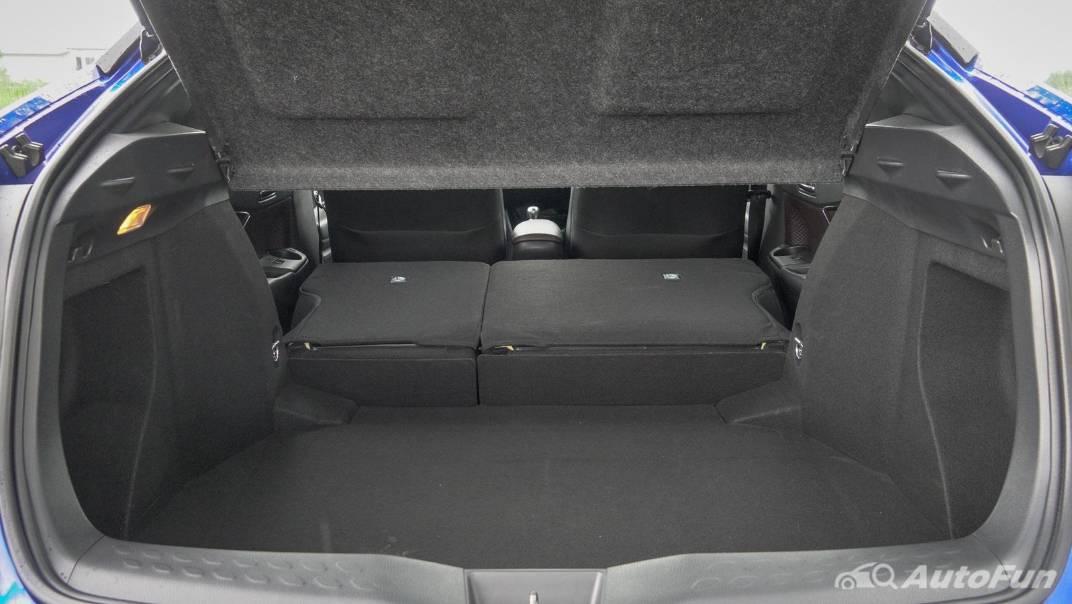 2021 Toyota C-HR Hybrid Premium Safety Interior 083