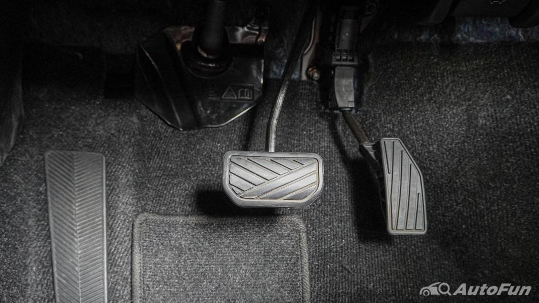 2020 1.5 Suzuki XL7 GLX Interior 010