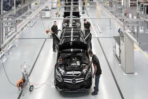 พิษโควิดหนัก Mercedes-Benz จ่อปิดโรงงานผลิต C-Class และ GLA ในบราซิล