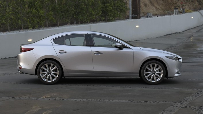 Mazda 3 Sedan 2020 Exterior 006