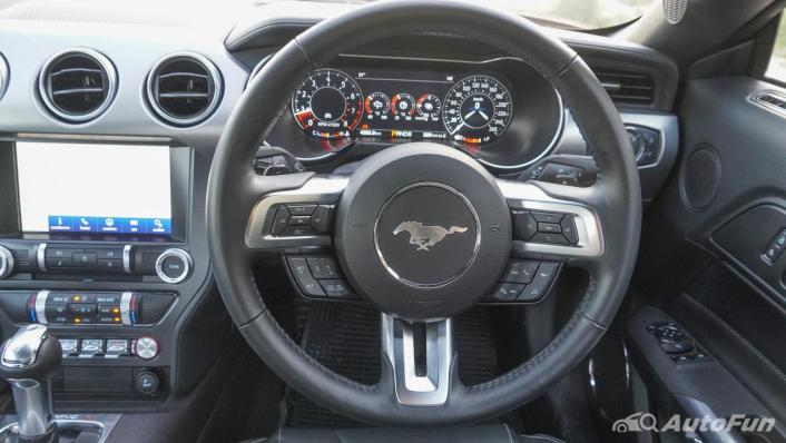 2020 Ford Mustang 2.3L EcoBoost Interior 004
