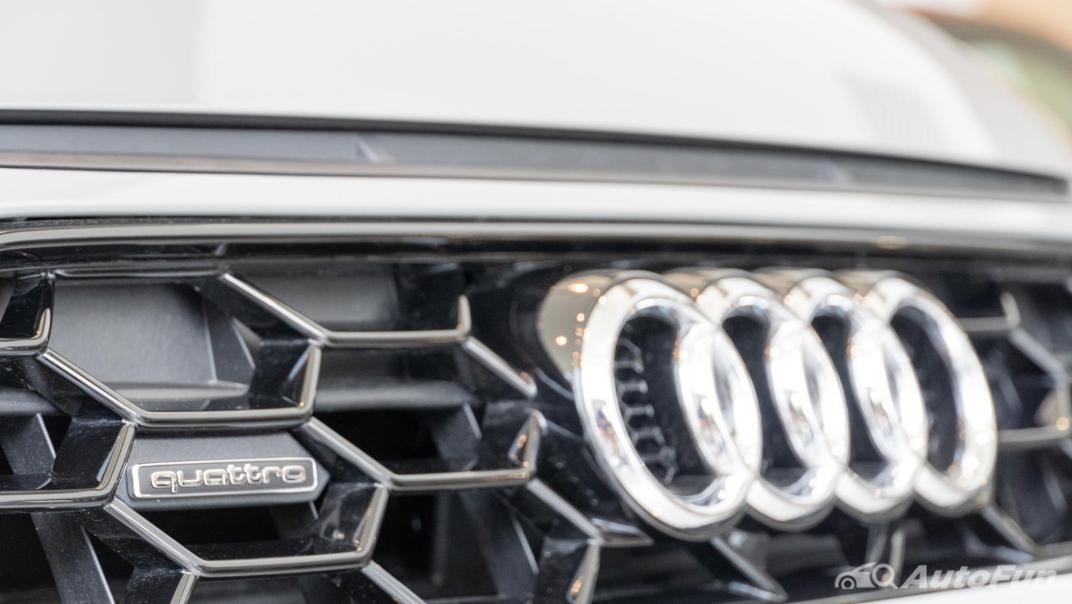 2020 Audi A4 Avant 2.0 45 TFSI Quattro S Line Black Edition Exterior 068