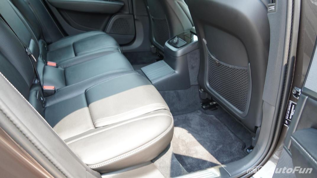 2021 Volvo S90 Recharge Interior 029