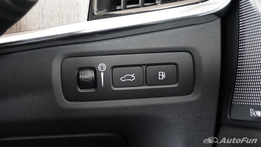 2021 Volvo S90 Recharge Interior 009