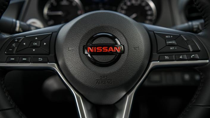 2021 Nissan Navara PRO-4X Interior 006