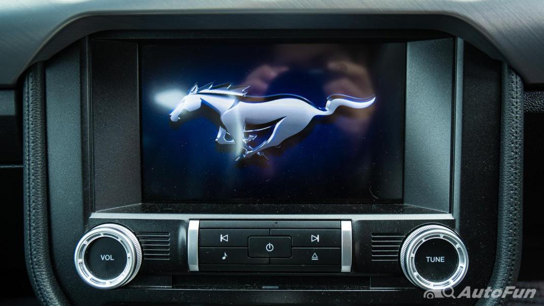 2020 Ford Mustang 5.0L GT Interior 017