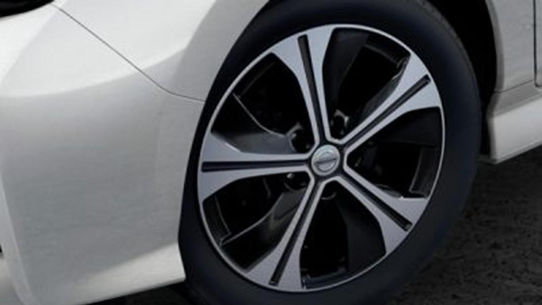 Nissan Leaf 2020 Exterior 003