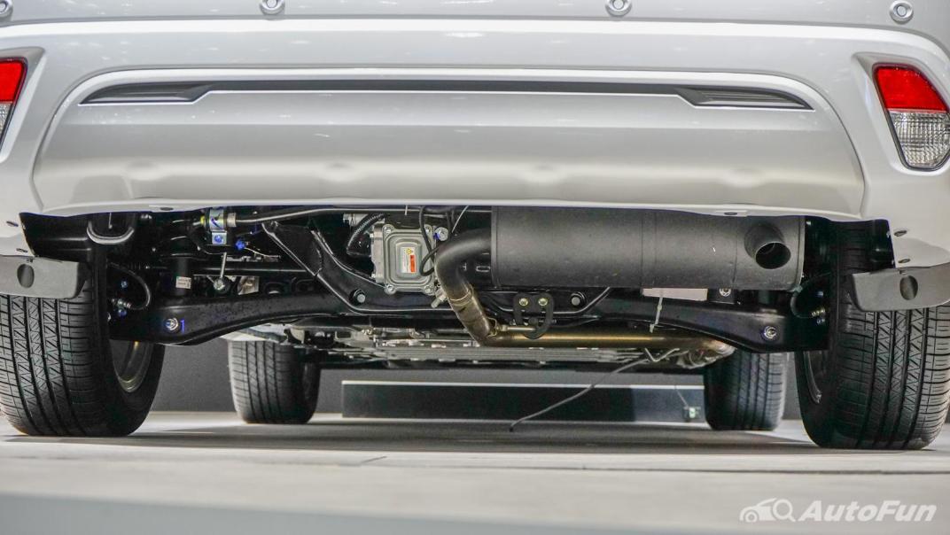 2021 Mitsubishi Outlander PHEV GT Exterior 011