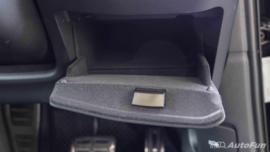 2020 Audi A4 Avant 2.0 45 TFSI Quattro S Line Black Edition Interior 030