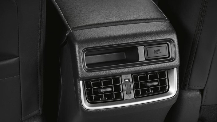 Isuzu D-Max 4-Door 2020 Interior 004