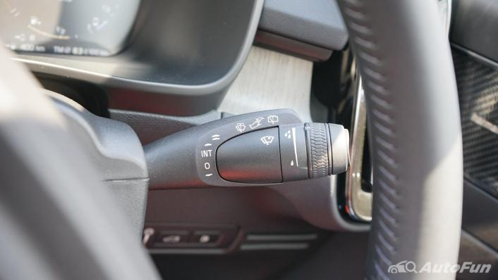 2020 Volvo XC 40 2.0 R-Design Interior 008
