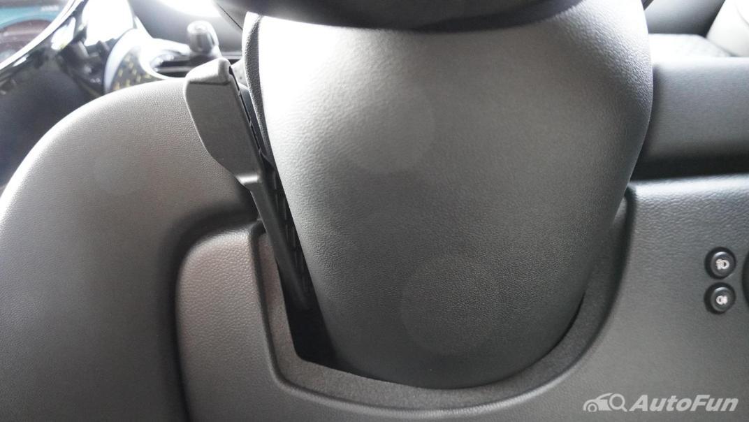 2021 MNI 3-Door Hatch Cooper S Interior 010