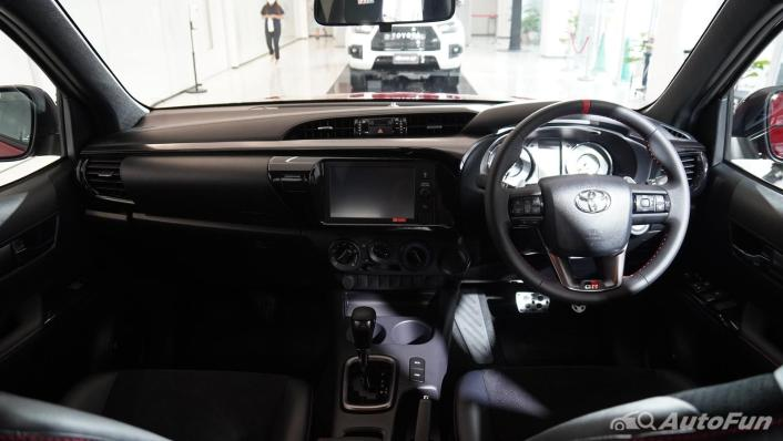 2021 Toyota Hilux Revo Double Cab 4x2 2.8 GR Sport AT Interior 001