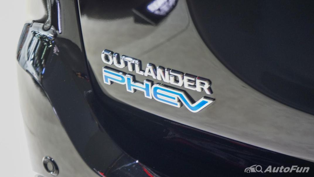 2021 Mitsubishi Outlander PHEV GT Exterior 020