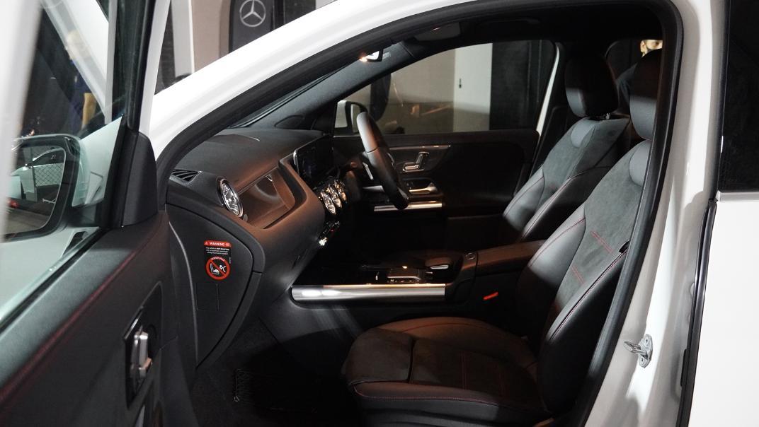 2021 Mercedes-Benz GLA-Class 200 AMG Dynamic Interior 021