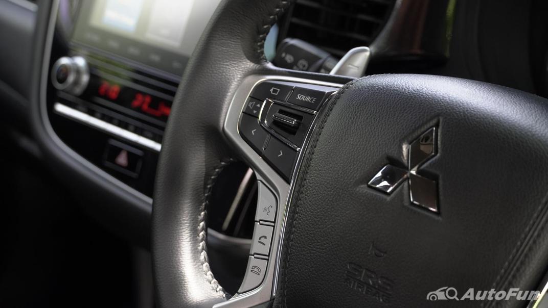2021 Mitsubishi Outlander PHEV GT-Premium Interior 005