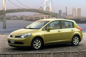 มือสองต้องรู้ Nissan Tiida เป็นรถที่ดี เหมาะกับทุกเพศวัย แต่ว่า Toyota Corolla Altis ดีกว่าเยอะ