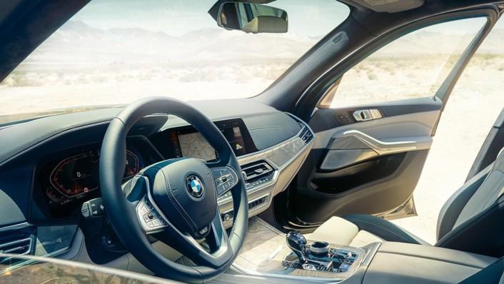 BMW X7 2020 Interior 001