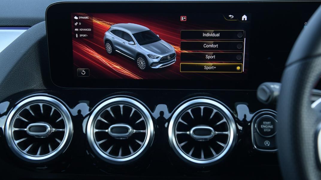 2021 Mercedes-Benz GLA-Class 35 AMG 4MATIC Interior 038