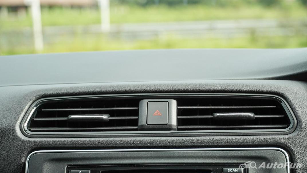 2020 Nissan Leaf Electric Interior 015