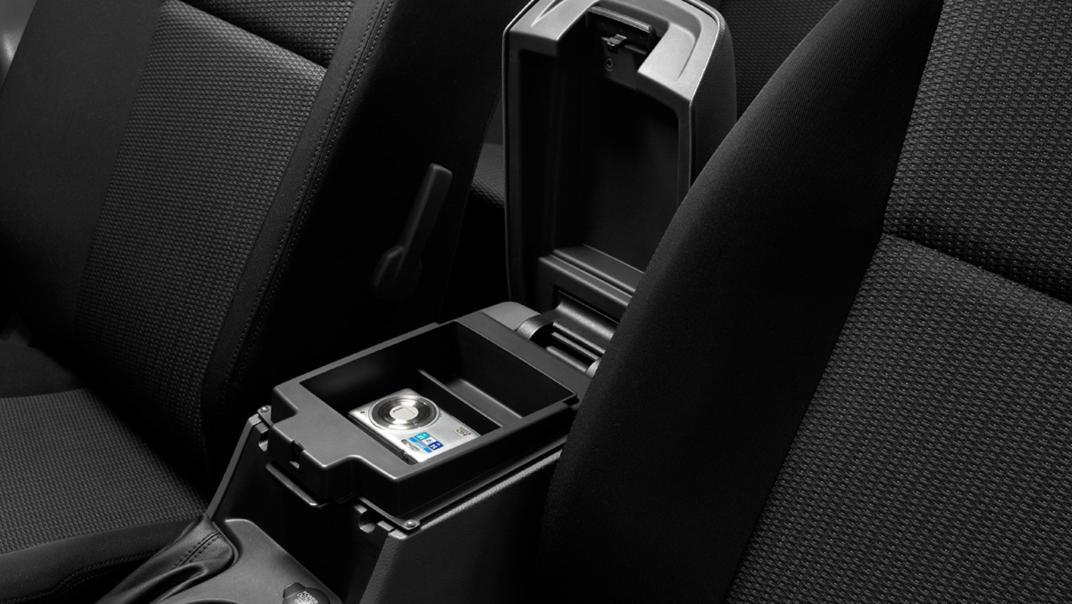 Mazda BT-50 Pro 2020 Interior 007