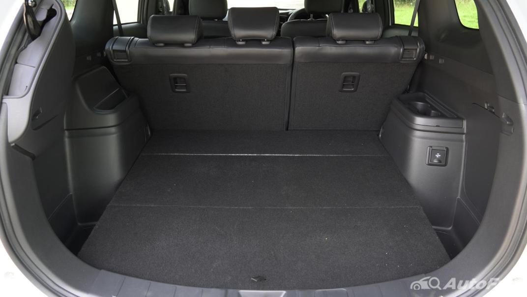 2021 Mitsubishi Outlander PHEV GT-Premium Interior 053