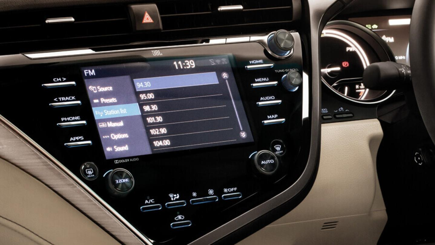 Toyota Camry 2020 Interior 015