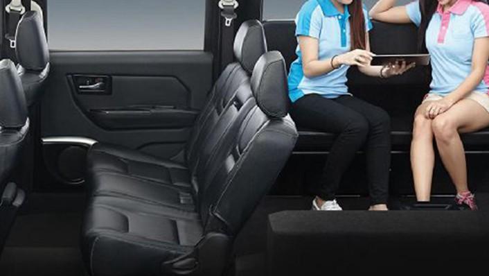 Thairung TR Transformer II 11 Seater 2020 Interior 003