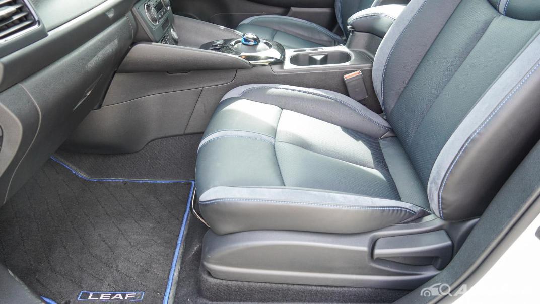 2020 Nissan Leaf Electric Interior 050