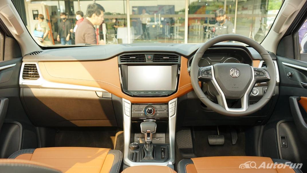 2021 MG Extender Interior 001