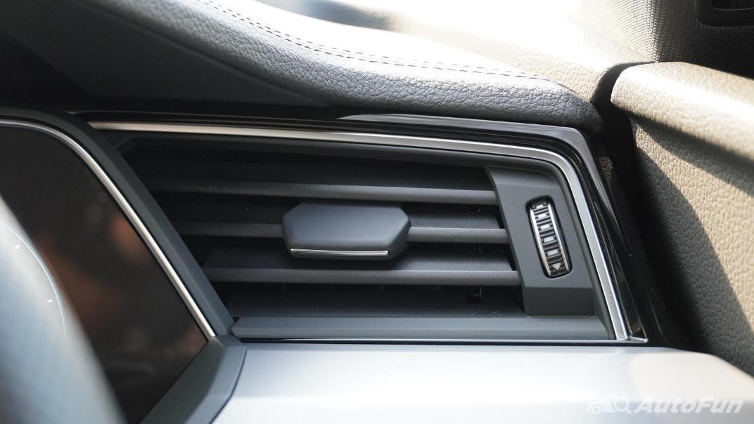 2020 Audi E Tron Sportback 55 quattro S line Interior 023